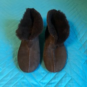 Ugg High Top Moccasin/Slippers
